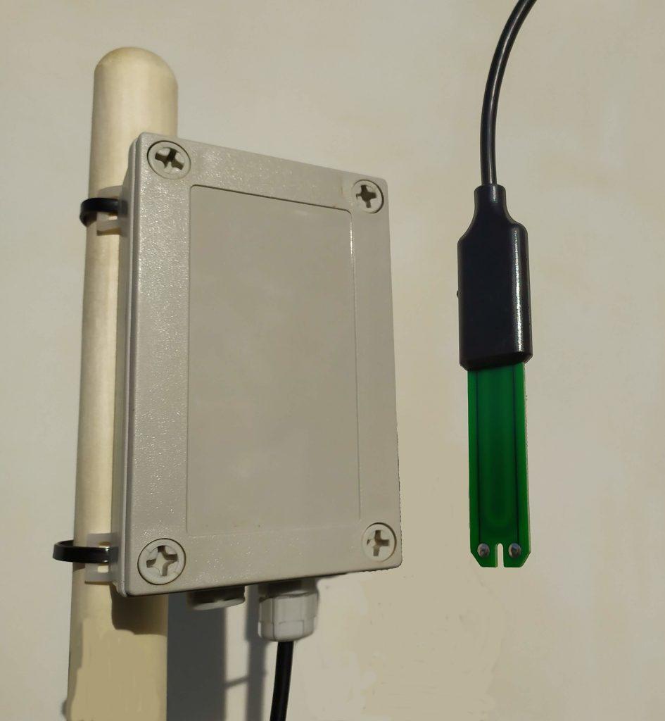 LoRa WAN / WiFi IoT device soi moisture temperature EC sensor